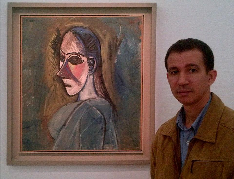 Dustin ante un Picasso, en el Centro Pompidou, París, Francia.