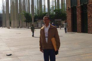 Dustin en Congreso de Formación artística en Medellín, Colombia, 2008