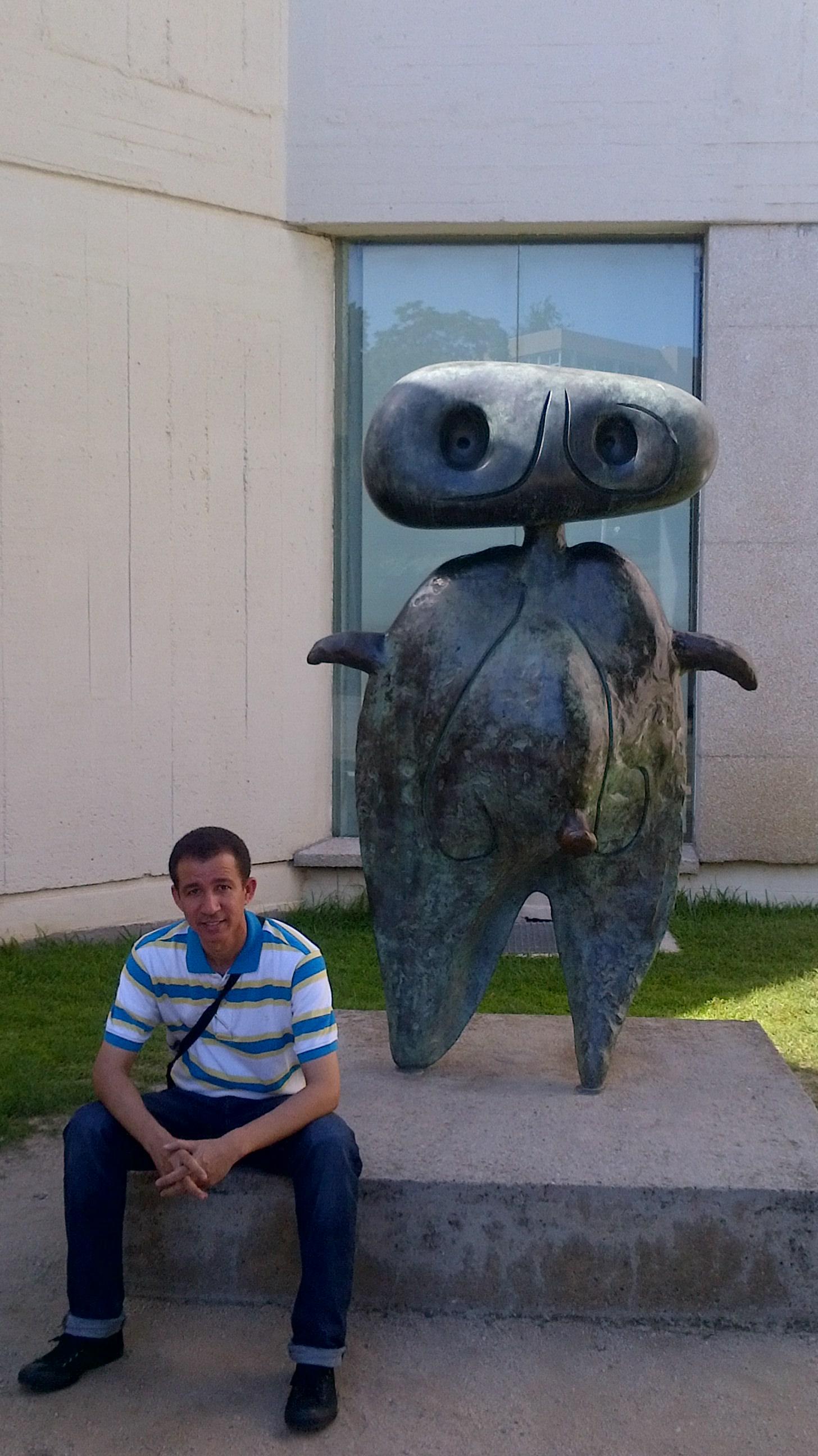 Dustin en la Fundación Joan Miró, Barcelona, España, 2014