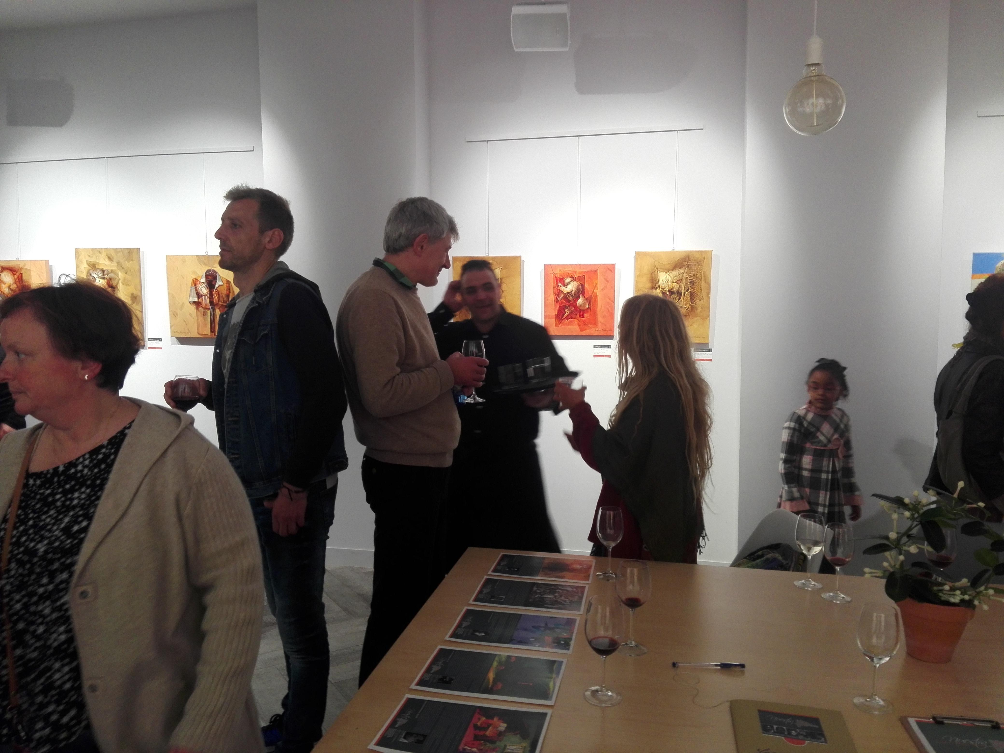 Vista parcial del público asistente al acto inaugural de Nuestra expo, tercera versión en Lugo, España